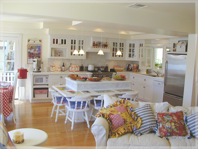 Kitchen Islands  Sale on Spacious Kitchen With Island Eating Area